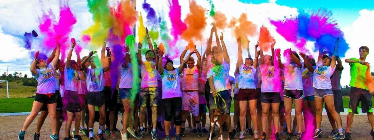 ihouse students at a color run