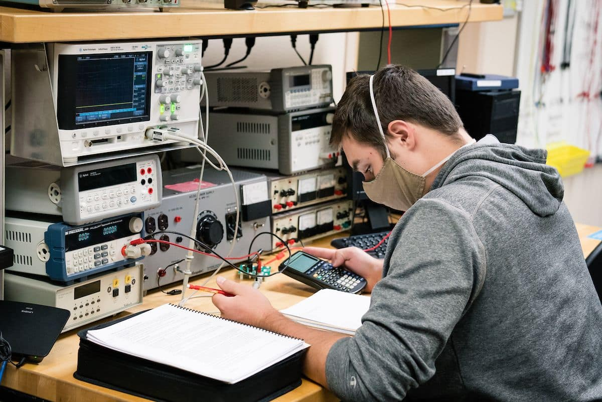 Student conducts an experiment using Embry-Riddle's Power Lab